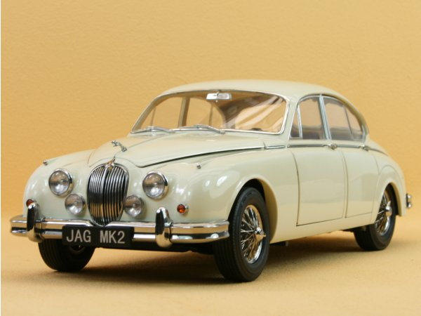 JAGUAR Mark II - 1962 - cream - Model Icons 1:18