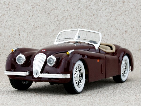JAGUAR XK 120 Roadster - darkred - Bburago 1:24