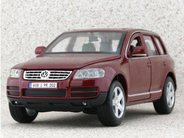 VW Volkswagen Touareg - darkredmetallic - Bburago 1:24