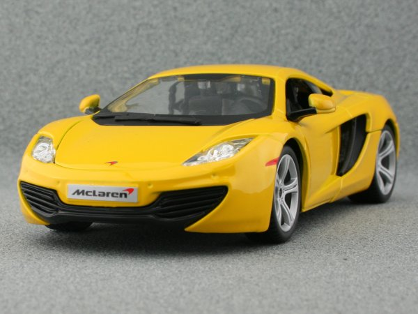 McLAREN MP4-12C - yellow - Bburago 1:24