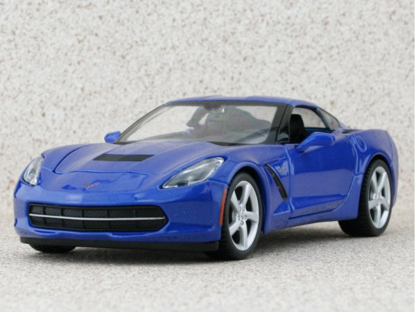 CHEVROLET Corvette Stingray - 2014 - bluemetallic - Maisto 1:24