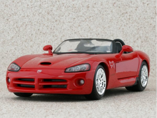 DODGE Viper SRT-10 - 2003 - red - Maisto 1:24