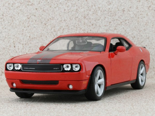 DODGE Challenger SRT8 - 2008 - red - Maisto 1:24
