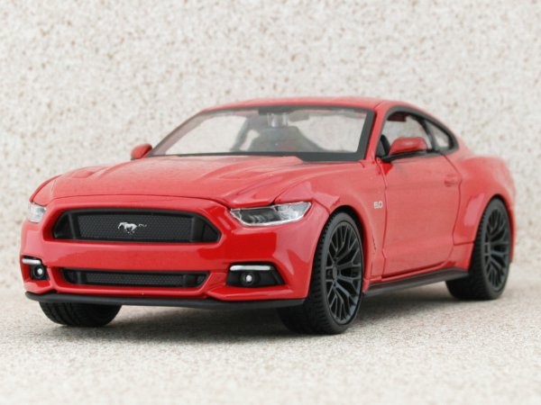 FORD Mustang GT - 2015 - red - Maisto 1:24