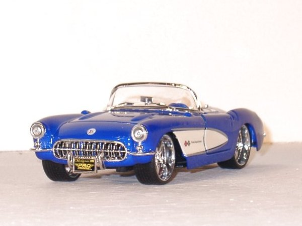 CHEVROLET Corvette - 1957 - blue - Maisto 1:24
