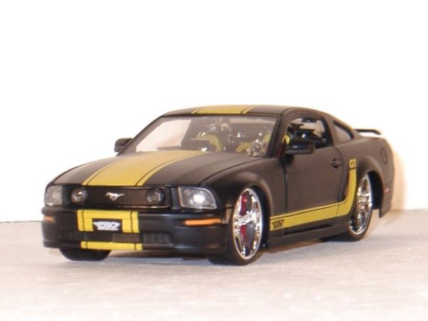 FORD Mustang GT - 2006 - black dull - Maisto 1:24