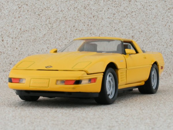 CHEVROLET Corvette ZR-1 - 1993 - yellow - MotorMax 1:24