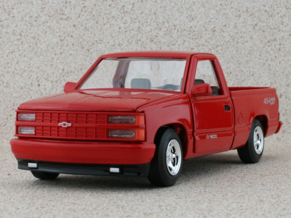 CHEVROLET 454 SS Pick up - 1992 - red - MotorMax 1:24