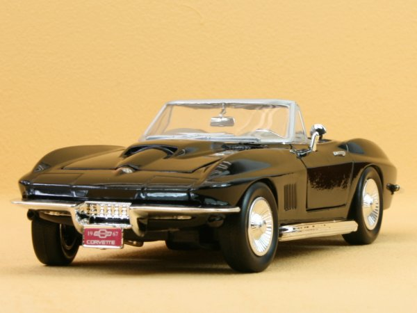 CHEVROLET Corvette - 1967 - black - MotorMax 1:24