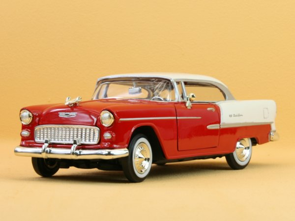 CHEVROLET Bel Air - 1955 - red / white - MotorMax 1:24