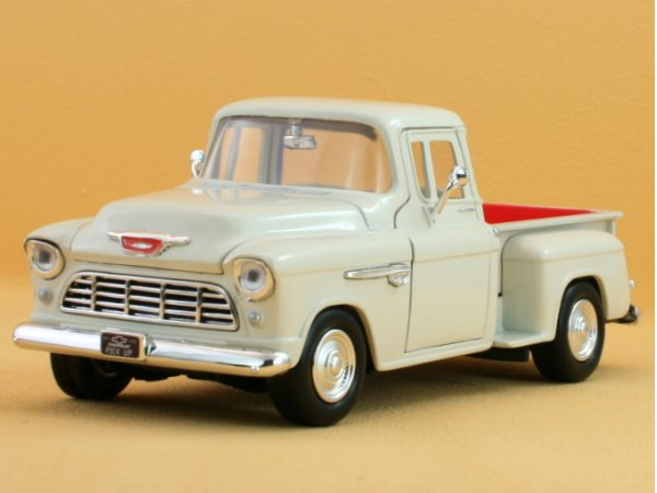 CHEVROLET 5100 Stepside - 1955 - cream - MotorMax 1:24