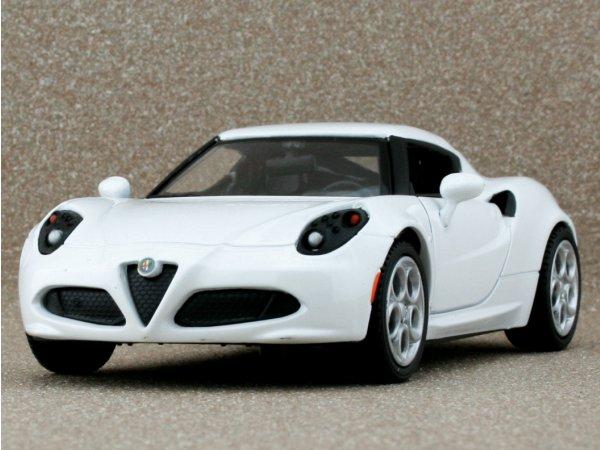 ALFA ROMEO 4C - white - MotorMax 1:24