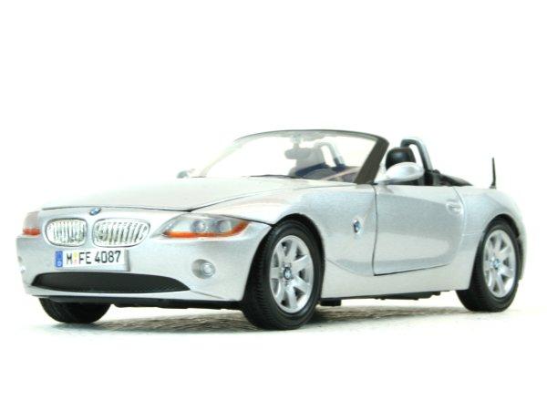 BMW Z4 - silver - MotorMax 1:24