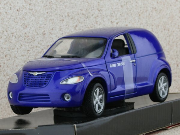 CHRYSLER Panel Cruiser - bluemetallic - MotorMax 1:24