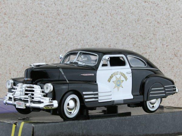 CHEVROLET Aerosedan Fleetline - 1948 - Highway Patrol - MotorMax 1:24