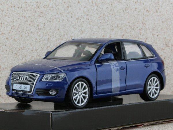 AUDI Q5 - bluemetallic - MotorMax 1:24