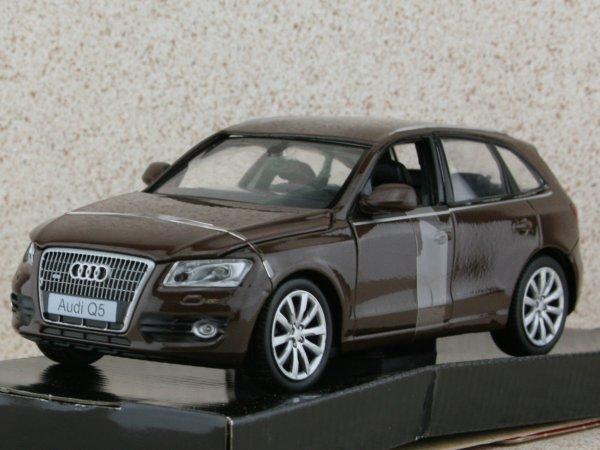 AUDI Q5 - brownmetallic - MotorMax 1:24