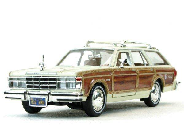 CHRYSLER LeBaron Town & Country - 1979 - cream - MotorMax 1:24
