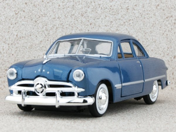 FORD Coupe - 1949 - bluemetallic - MotorMax 1:24
