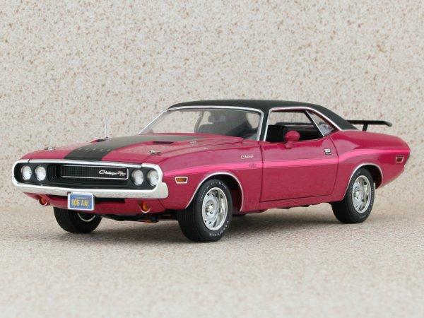 DODGE Challenger R/T - 1970 - pink panther - HIGHWAY 61 1:24