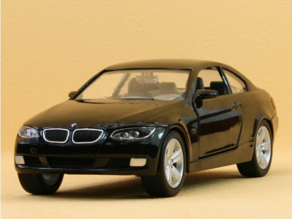 BMW 335i Coupe - black - YATMING 1:24