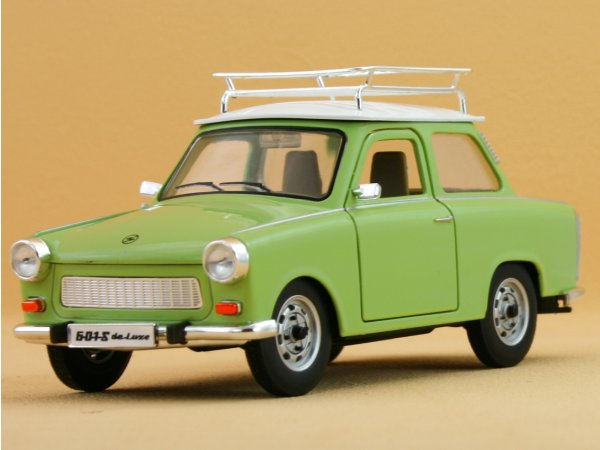 TRABANT 601 S DeLuxe - green - YATMING 1:24