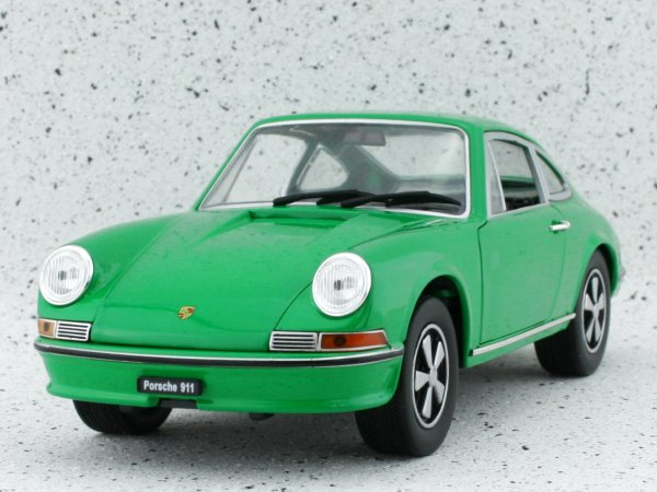 PORSCHE 911 S 2.4 - 1972 - green - WhiteBox 1:24