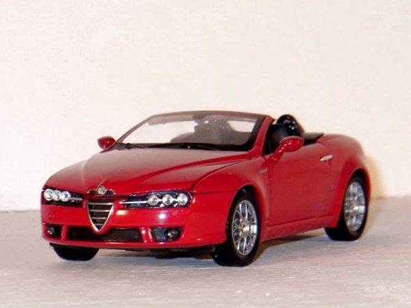 ALFA ROMEO Spider - red - WELLY 1:24
