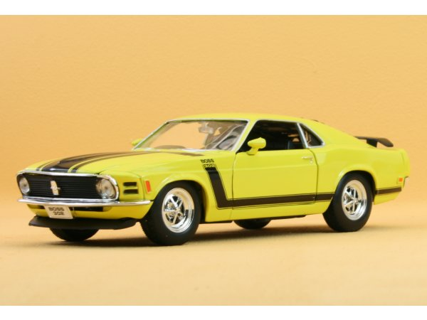 FORD Mustang Boss 302 - 1970 - yellow - WELLY 1:24