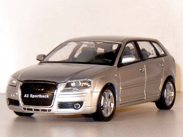AUDI A3 Sportback - silver - WELLY 1:24
