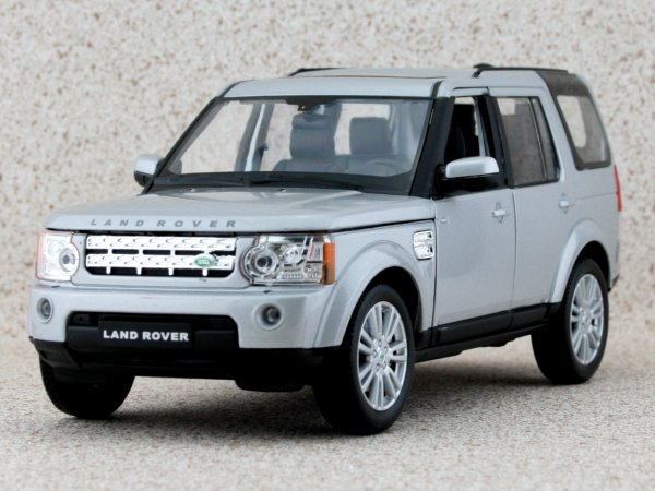LAND ROVER Discovery 4 - silver - WELLY 1:24