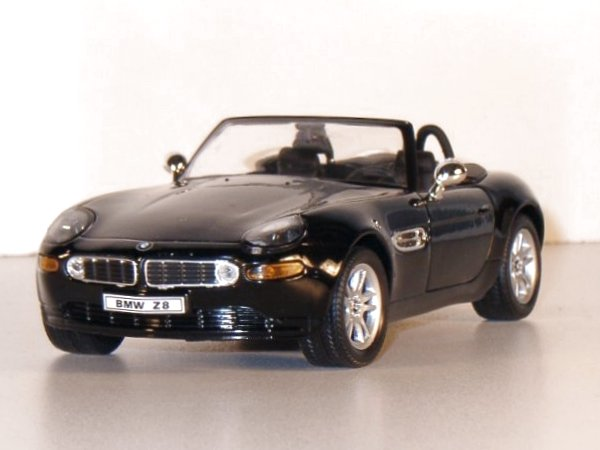 BMW Z 8 - black - WELLY 1:24