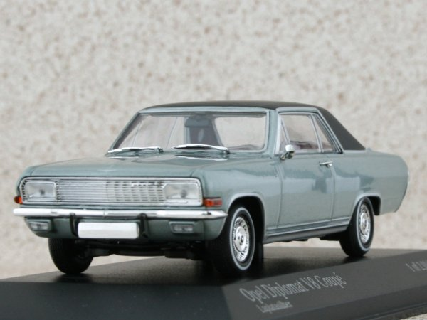 OPEL Diplomat V8 Coupe - 1965 - silver - Minichamps 1:43