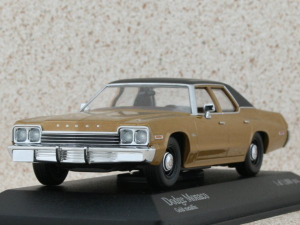 DODGE Monaco - 1974 - goldmetallic - Minichamps 1:43