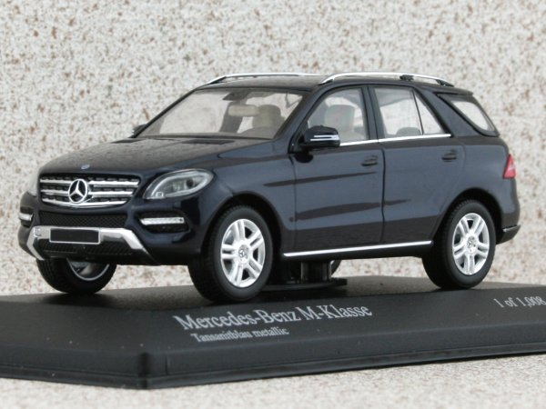 MB Mercedes Benz M Class - 2011 - bluemetallic - Minichamps 1:43