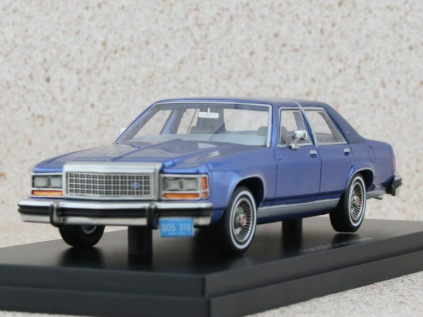 FORD LTD Crown Victoria - bluemetallic - BoS - Best of show 1:43