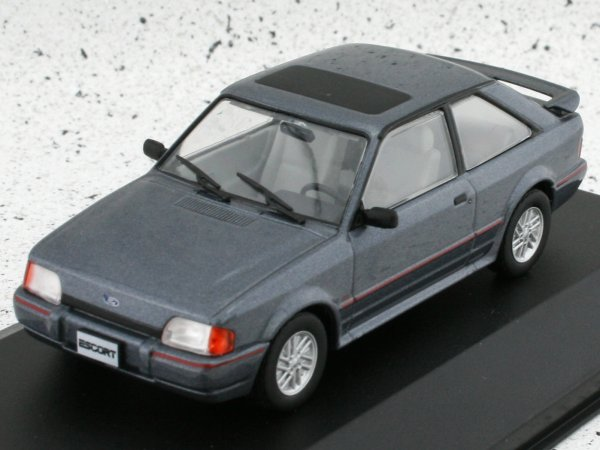 FORD Escort XR3i - 1990 - greymetallic - WhiteBox 1:43