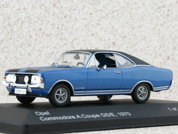 OPEL Commodore A Coupe GS/E - 1970 - bluemetallic - WhiteBox 1:43