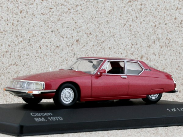 CITROEN SM - 1970 - redmetallic - WhiteBox 1:43