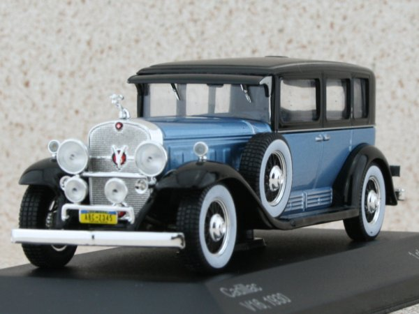 CADILLAC V16 - 1930 - bluemetallic - WhiteBox 1:43