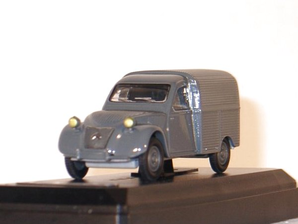 CITROEN 2 CV Fourgonnette - 1954 - grey - SOLIDO 1:43