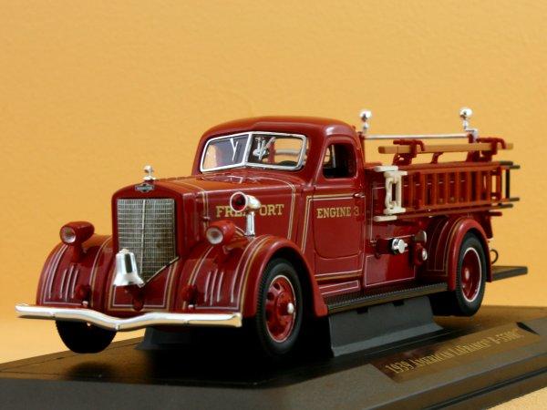 American LaFrance B-550RC - 1939 - Firetruck - YATMING 1:43