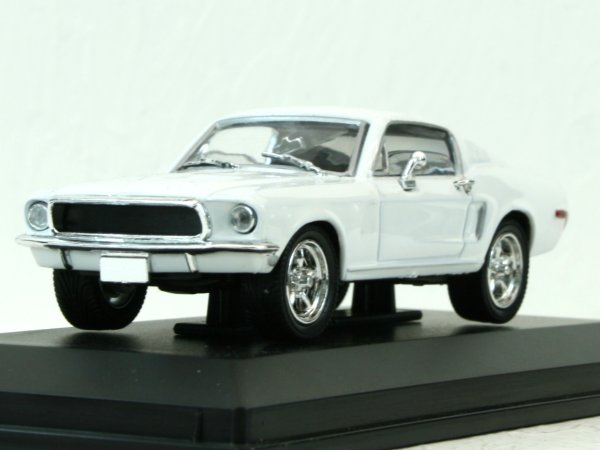 FORD Mustang GT - 1968 - white - YATMING 1:43