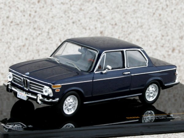 BMW 2002 Tii - 1972 - US-Version - blue - IXO 1:43