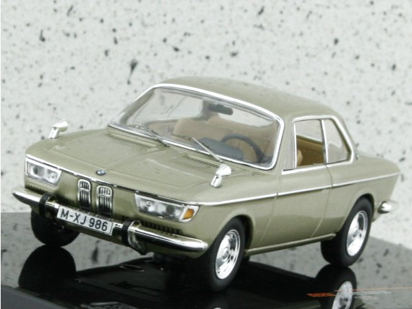 BMW 2000 CS - 1970 - champagnermetallic - IXO 1:43