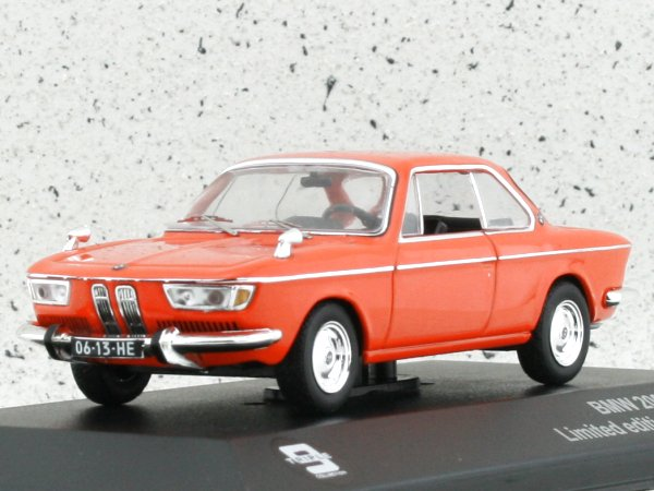 BMW 2000 CS - 1966 - orange - Triple9 1:43