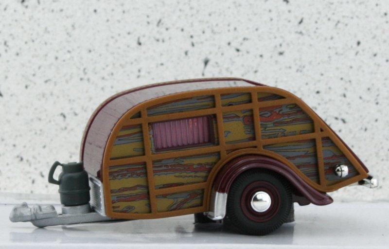 Anhänger / Trailer Camper / Wohnwagen - darkred - Cararama 1:43