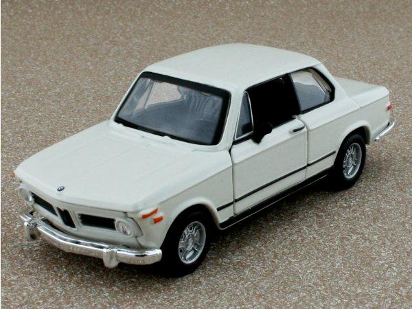 BMW 2002 Tii - 1972 - white - Bburago 1:32