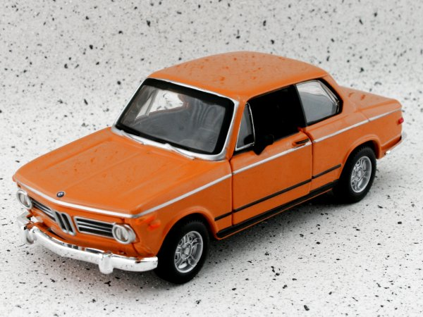 BMW 2002 Tii - 1972 - orange - Bburago 1:32